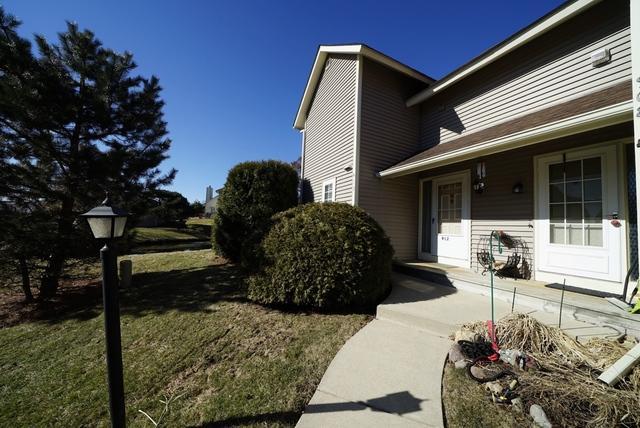 912 Clark Drive, Gurnee, IL 60031 (MLS #10320064) :: Janet Jurich Realty Group
