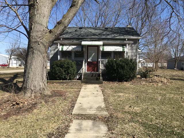 211 8th Avenue, Mendota, IL 61342 (MLS #10321528) :: Domain Realty