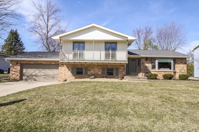 2904 Kingsbury Court, Bloomington, IL 61704 (MLS #10323062) :: Helen Oliveri Real Estate
