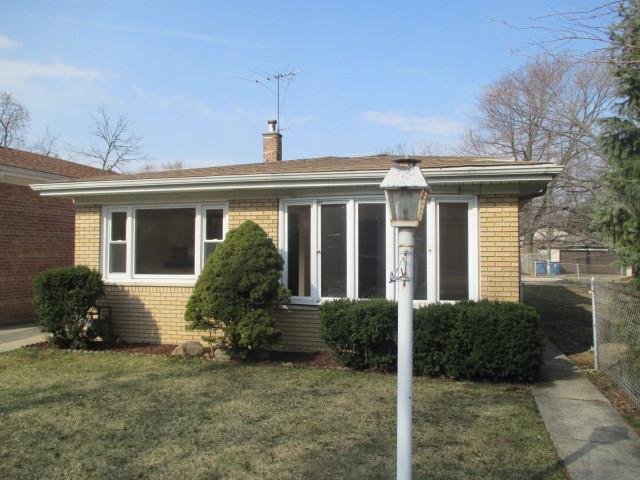 12416 S Wood Street, Calumet Park, IL 60827 (MLS #10323361) :: Domain Realty
