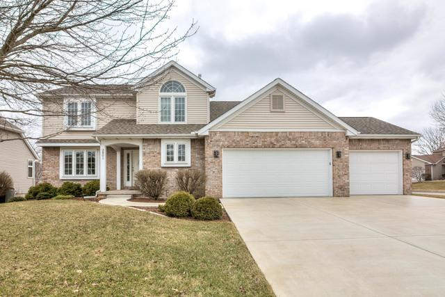 2801 Greenfield Road, Bloomington, IL 61704 (MLS #10323941) :: Janet Jurich Realty Group