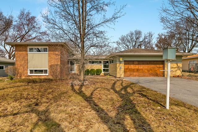 24 W Pleasant Hill Boulevard, Palatine, IL 60067 (MLS #10324268) :: Berkshire Hathaway HomeServices Snyder Real Estate