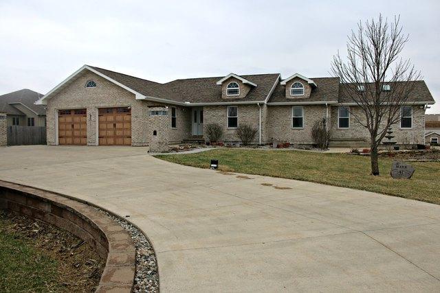 300 W Walnut Street, Paxton, IL 60957 (MLS #10325208) :: Domain Realty