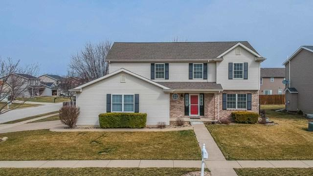 300 Gambel Court, Normal, IL 61761 (MLS #10325468) :: Janet Jurich Realty Group