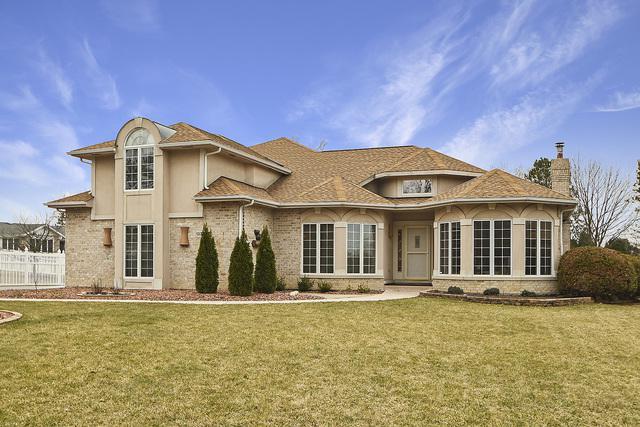 13720 Trafalgar Court, Orland Park, IL 60462 (MLS #10326128) :: Helen Oliveri Real Estate
