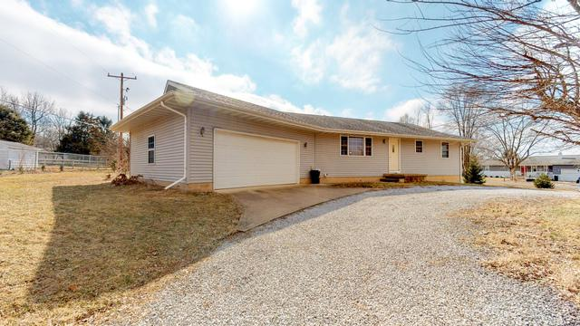 3 Suffolk Way, Mackinaw, IL 61755 (MLS #10326335) :: Janet Jurich Realty Group
