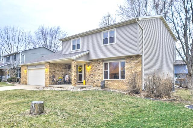 31 Gloucester Circle, Bloomington, IL 61704 (MLS #10327742) :: Janet Jurich Realty Group
