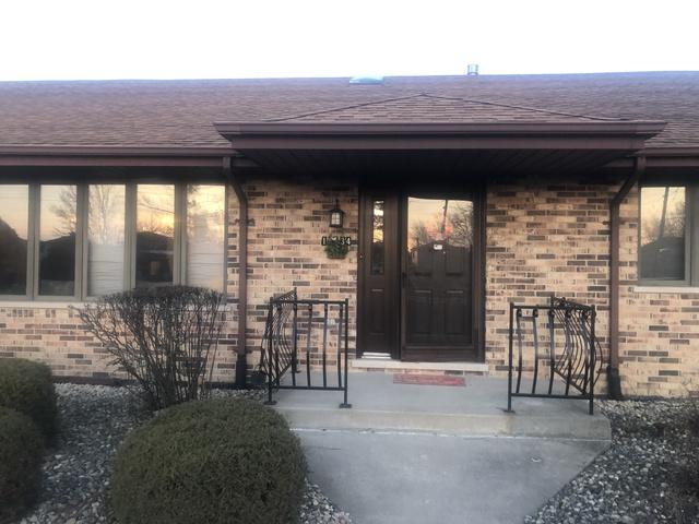 16134 Pine Drive, Tinley Park, IL 60477 (MLS #10327879) :: Janet Jurich Realty Group