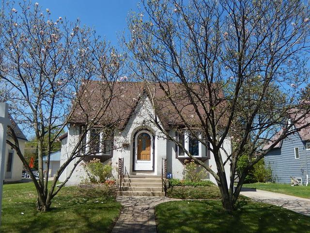 436 9th Avenue, La Grange, IL 60525 (MLS #10329135) :: Berkshire Hathaway HomeServices Snyder Real Estate