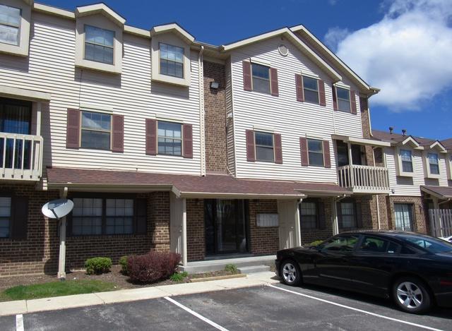 1504 W Jefferson Avenue B, Naperville, IL 60540 (MLS #10329505) :: Century 21 Affiliated