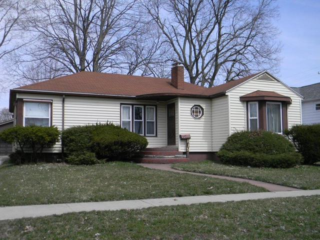 819 E Water Street, Pontiac, IL 61764 (MLS #10330368) :: Janet Jurich Realty Group