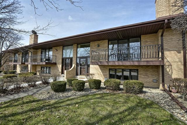 8256 W 161 Place, Tinley Park, IL 60477 (MLS #10330901) :: Janet Jurich Realty Group