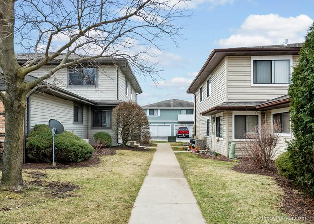 29W559 Winchester Circle #3, Warrenville, IL 60555 (MLS #10330998) :: Domain Realty