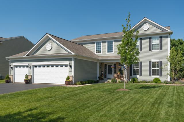 2328 Emerald Lane, Yorkville, IL 60560 (MLS #10331277) :: Helen Oliveri Real Estate