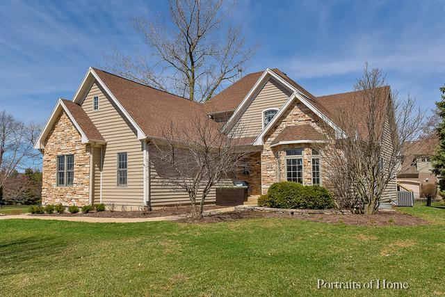 703 Ridgelawn Trail, Batavia, IL 60510 (MLS #10332134) :: Berkshire Hathaway HomeServices Snyder Real Estate