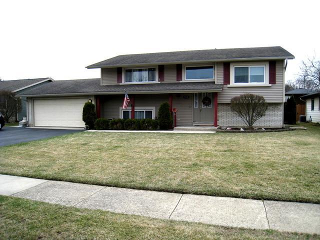 564 Stonehaven Avenue, Elk Grove Village, IL 60007 (MLS #10332240) :: Century 21 Affiliated