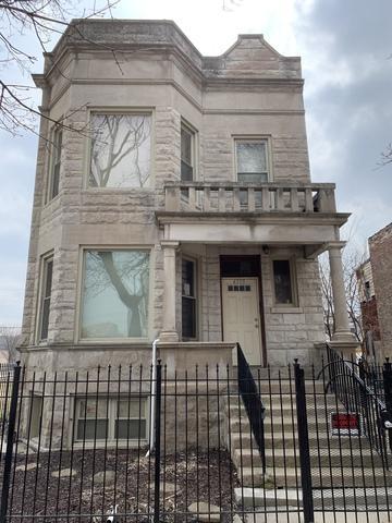 4303 W Gladys Avenue, Chicago, IL 60624 (MLS #10332464) :: Touchstone Group