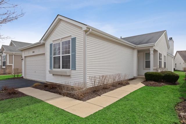 21249 Montclare Lake Drive, Crest Hill, IL 60403 (MLS #10333731) :: Helen Oliveri Real Estate