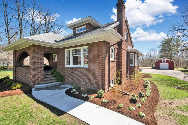 233 W Woodstock Street, Crystal Lake, IL 60014 (MLS #10333953) :: The Jacobs Group