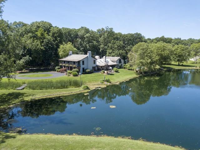 21380 N Middleton Drive, Kildeer, IL 60047 (MLS #10334406) :: Berkshire Hathaway HomeServices Snyder Real Estate