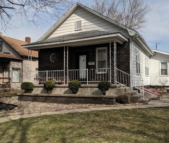 214 W Devlin Street, Spring Valley, IL 61362 (MLS #10335210) :: Leigh Marcus | @properties