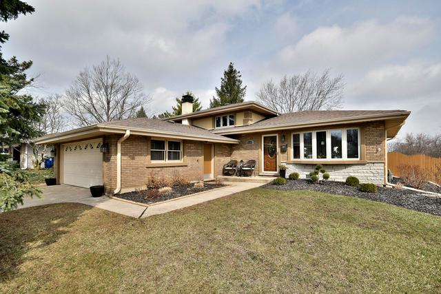 8500 W 89th Street, Hickory Hills, IL 60457 (MLS #10335326) :: Domain Realty