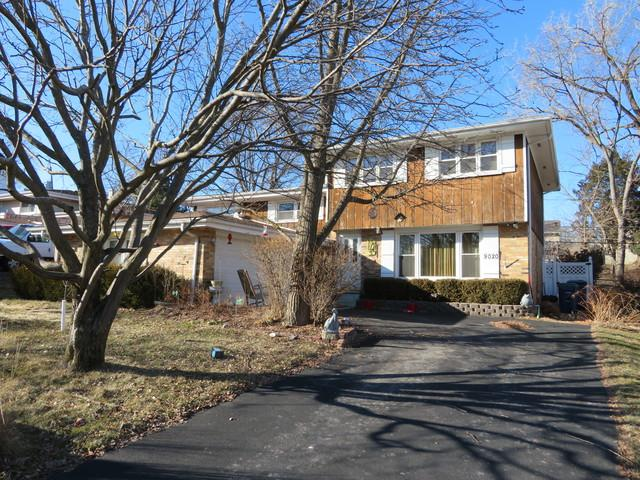 9020 Chestnut Drive, Hickory Hills, IL 60457 (MLS #10335451) :: Domain Realty