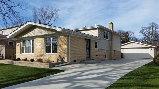 6710 W Forest View Lane, Niles, IL 60714 (MLS #10335969) :: Janet Jurich Realty Group