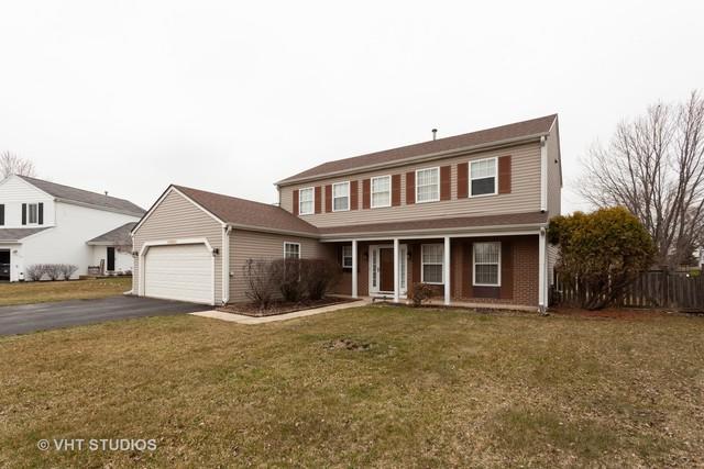30W208 Oxford Drive, Warrenville, IL 60555 (MLS #10336420) :: Janet Jurich Realty Group