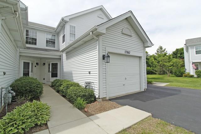 17867 W Salisbury Drive, Gurnee, IL 60031 (MLS #10336613) :: Century 21 Affiliated