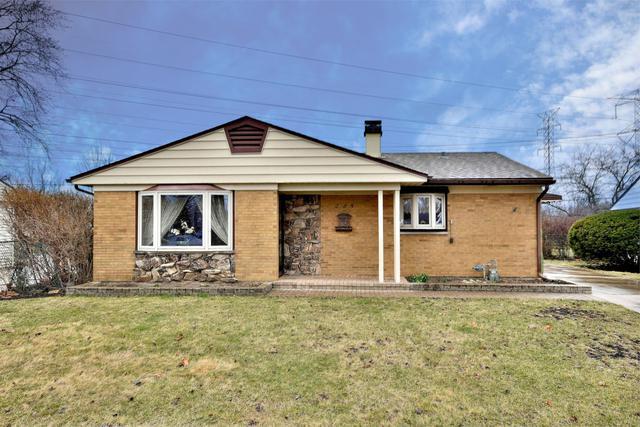 225 E Wayne Place, Wheeling, IL 60090 (MLS #10336708) :: Helen Oliveri Real Estate