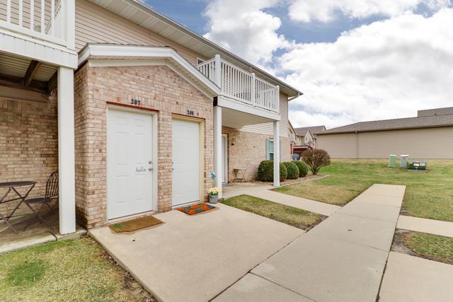 1040 Ekstam Drive #208, Bloomington, IL 61704 (MLS #10337391) :: Berkshire Hathaway HomeServices Snyder Real Estate
