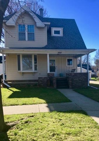 1010 Michigan Avenue, Mendota, IL 61342 (MLS #10338068) :: Helen Oliveri Real Estate