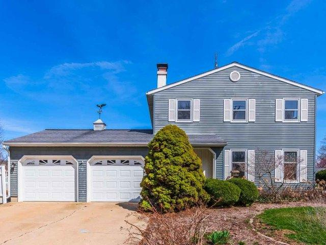 63 Brookshire Green, Bloomington, IL 61704 (MLS #10338255) :: Helen Oliveri Real Estate
