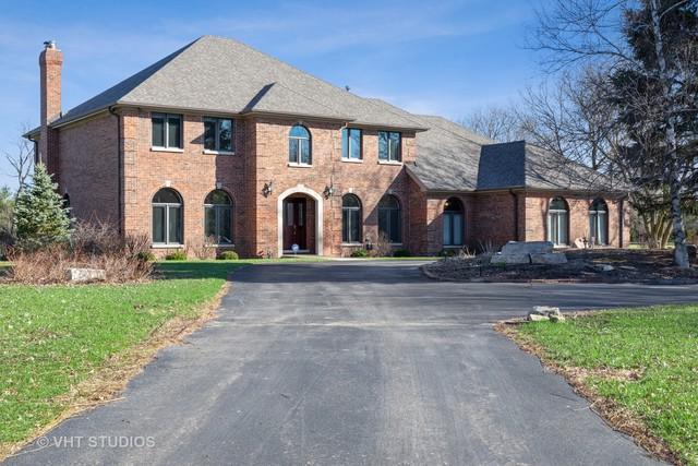 4 Ascot Lane, Barrington Hills, IL 60010 (MLS #10338587) :: Ryan Dallas Real Estate