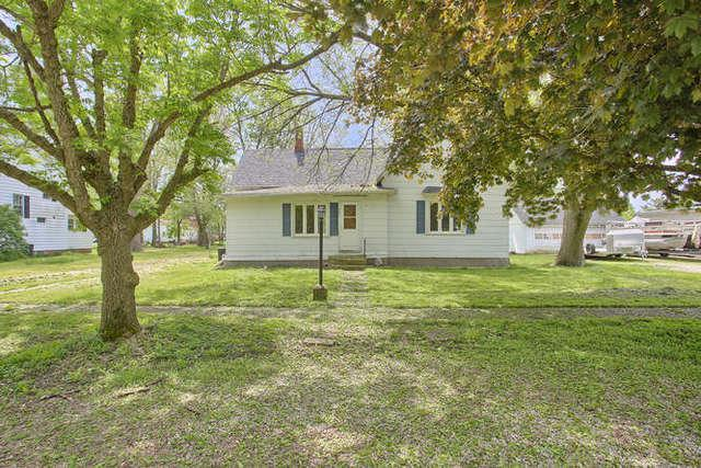 405 4th Street, IVESDALE, IL 61851 (MLS #10338672) :: Berkshire Hathaway HomeServices Snyder Real Estate