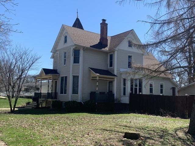 606 E Pells Street, Paxton, IL 60957 (MLS #10339344) :: Ryan Dallas Real Estate
