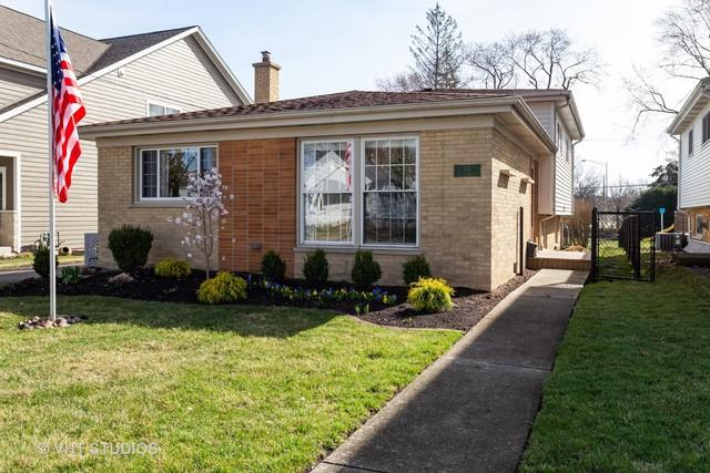 115 S Burton Place, Arlington Heights, IL 60005 (MLS #10339750) :: Century 21 Affiliated