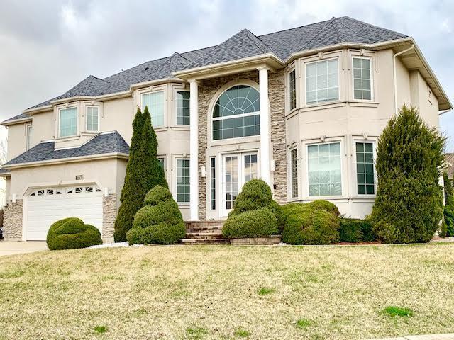 10750 Christopher Drive, Lemont, IL 60439 (MLS #10341387) :: Helen Oliveri Real Estate