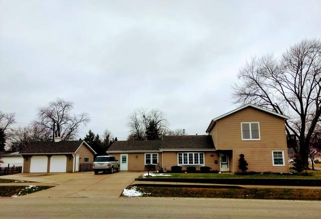 6901 W 112th Place, Worth, IL 60482 (MLS #10342000) :: Domain Realty
