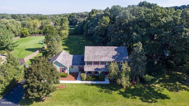 28W210 Cantigny Drive, Winfield, IL 60190 (MLS #10342089) :: Helen Oliveri Real Estate