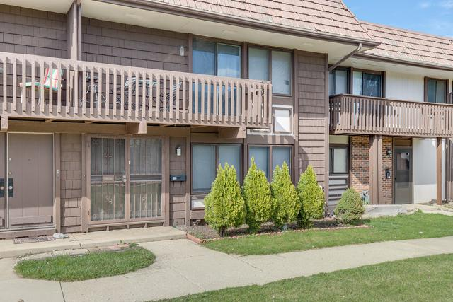 1276 Court E, Hanover Park, IL 60133 (MLS #10342237) :: Janet Jurich Realty Group
