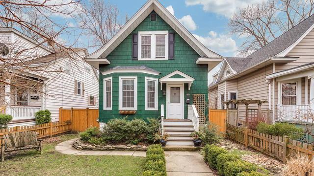5039 W Hutchinson Street, Chicago, IL 60641 (MLS #10342414) :: Domain Realty
