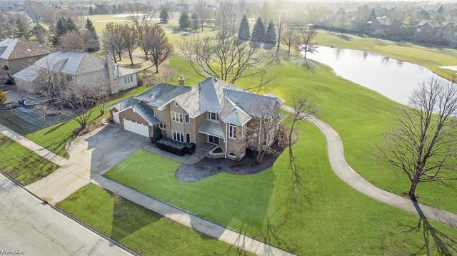 3901 White Eagle Drive W, Naperville, IL 60564 (MLS #10342470) :: Janet Jurich Realty Group