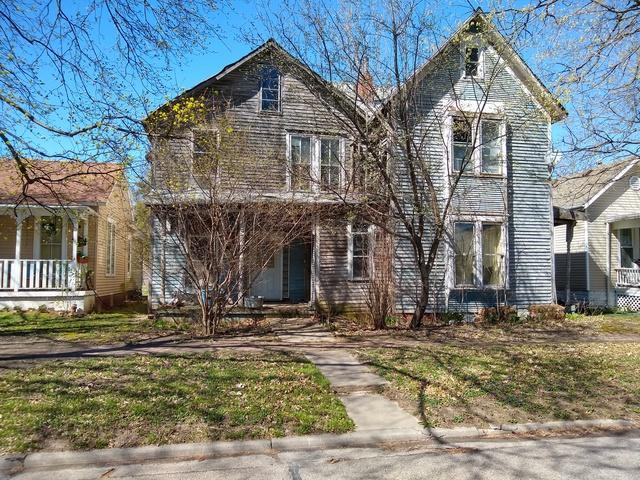 206 E Houghton Street, Tuscola, IL 61953 (MLS #10342542) :: Janet Jurich Realty Group