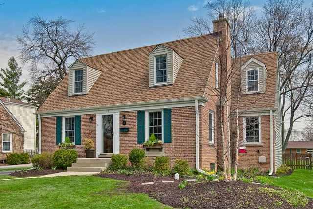 15 N Emerson Street, Mount Prospect, IL 60056 (MLS #10342579) :: Leigh Marcus | @properties