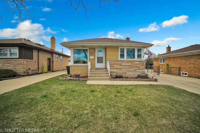 4562 Rose Street, Schiller Park, IL 60176 (MLS #10342589) :: Leigh Marcus | @properties