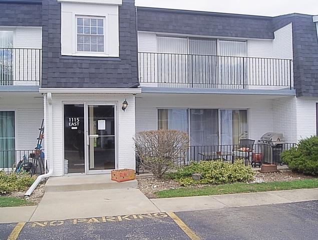 1115 Royal St George Drive #201, Naperville, IL 60563 (MLS #10342690) :: Helen Oliveri Real Estate