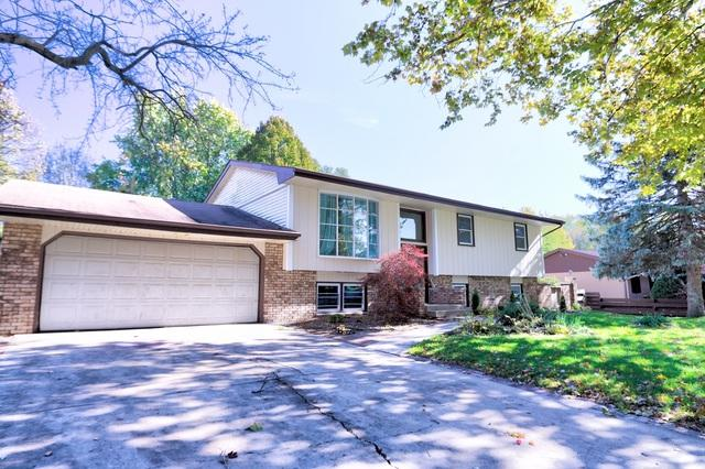 210 Robert Drive, Normal, IL 61761 (MLS #10342772) :: Janet Jurich Realty Group