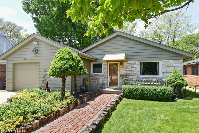 4904 Wolf Road, Western Springs, IL 60558 (MLS #10343035) :: Domain Realty